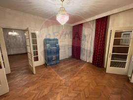 Apartament cu 4 camere de inchiriere în zona Central/Mih...