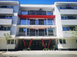 Apartament 4 camere cu curte