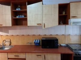 Apartament 2 camere, decomandat, et. inter. - zona Răcădău