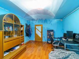Apartament la casa cu 2 camere de vânzare