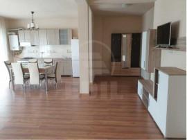 Apartament cu trei camere Floresti