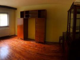 Garsonieră Racadau, decomandata, bloc apartamente, 45.900€