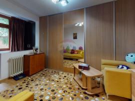 De vânzare Apartament cu 3 camere în zona Antiaeriana