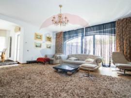 Casă / Vilă cu 6 camere în zona Baneasa, Sisesti
