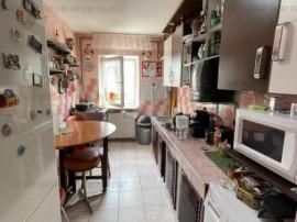 Cal.Bucuresti apartament 3 camere 2 bai
