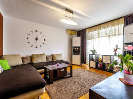 Apartament 2 camere, decomandat, zona Polivalentă