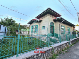 Casa in Campina,ultracentral,110 mp util, teren 240m,69.900E