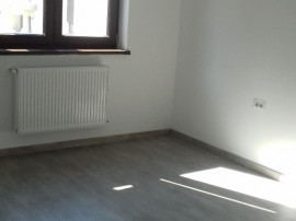 Apartament 3 camere decomandate ultracentral bloc nou