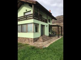 Casa cu 5 camere si 1500 mp gradina in Chinteni