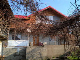 Casa si teren 700mp Nord Cerasu, Prahova