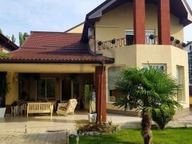 Casa ideala: constructie robusta, interior superb si tere...