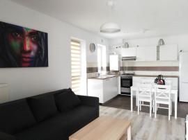 Apartament cu 2 camere de închiriat în zona Tractorul