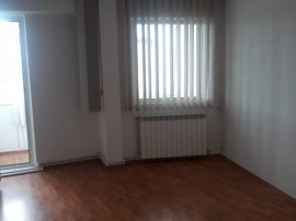 Apartament 3 camere in Micro 13B