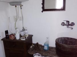 Casa cu 5 camere + dependinte, teren 88 Ari, sat Caluseri