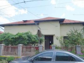 Casa 3 camere, arhitectura deosebita, zona Central