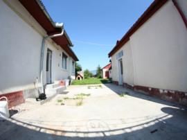 Casa locuibila cu 800 mp teren in zona linistita usor accesb
