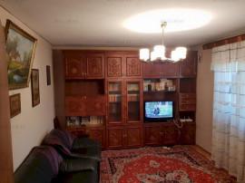 Apartament Foarte Bun de 4 camere Etajul 2/4 Berceni, Vatra