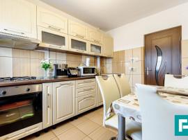 Apartament primitor cu două camere.