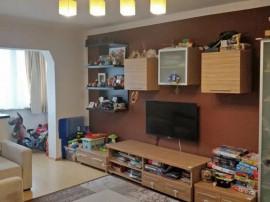 Apartament 3 camere Tractorul, decomandat, renovat