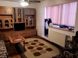 Apartament 3 camere, decomandat, zona linistita