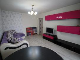 INCHIRIEZ apartament 4 camere dec.,renovat,zona Strand