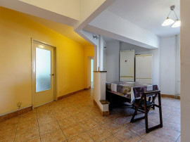 Apartament 4 camere, etaj 2 zona Alfa