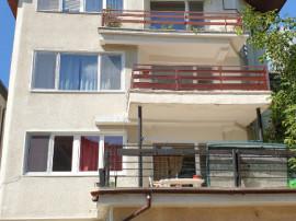 Apartament 3 camere Centru, etajul 2, mobilat-utilat, 550€