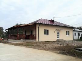 Casa Tatarastii de Sus, imobil renovat, teren 3.552 mp, comi