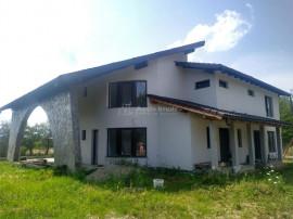 Casa individuala/ duplex-Finisat/Semifinisat-150 mp- Foisor-