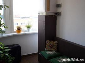 Apartament 4 camere zonaCENTRUL CIVIC ,str TOAMNEI