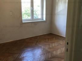 COLOSSEUM: Apartament 2 Camere Piata Astra
