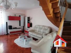 Apartament 4 camere cu scara interioara