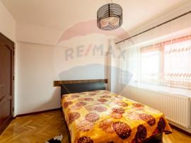 Apartament 3 camere de inchiriat,zona Intim