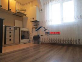 Etaj 2! apartament cu 3 camere Targoviste micro 9.