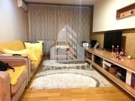 Apartament spatios cu 3 camere in zona centrala