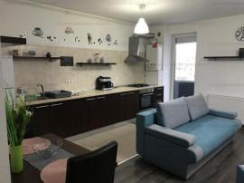 Apartament 2 camere - etaj intermediar - zona Răcădău