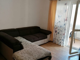 Apartament 3 camere, Racadau