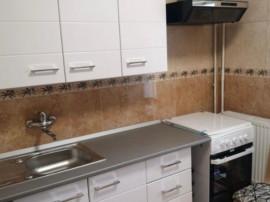 Apartament cu 3 camere in Piata Centrala