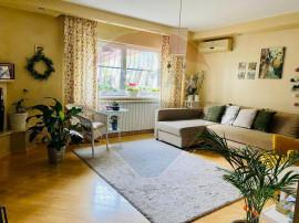 Apartament cu 3 camere + loc de parcare -Panduri