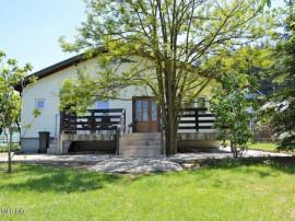 Bascov - Pinilor, casa langa padure, teren 2232 mp!