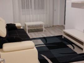 COLOSSEUM:Ap. 2 camere, bloc nou,etaj intermediar-Coresi