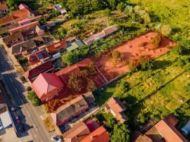 Casă cu 5 camere + teren 2555 mp in Aradul Nou