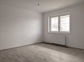Zona Coresi Apartament 2 camere decomandat nemobilat