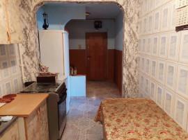 COLOSSEUM:Ap.2 camere,decomandat,etaj intermediar-Zona Noua