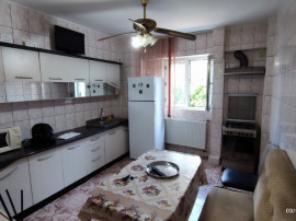 Apartament 3 camere semidecomandat Mărgeanului Buzoieni