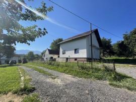 Casa Batraneasca Reconditionata Tohanita Bran 2300 mp Teren
