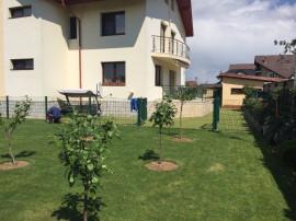 Rezidenta casa cu teren si livada Floresti