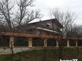 Casa si teren la Paleu, jud. Bihor Central