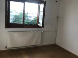 Apartament cu 3 camere, in Ploiesti, judetul Ph. Mihai Bravu