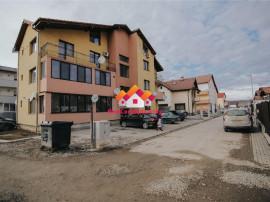 Apartament spatios la vila 3 camere + balcon